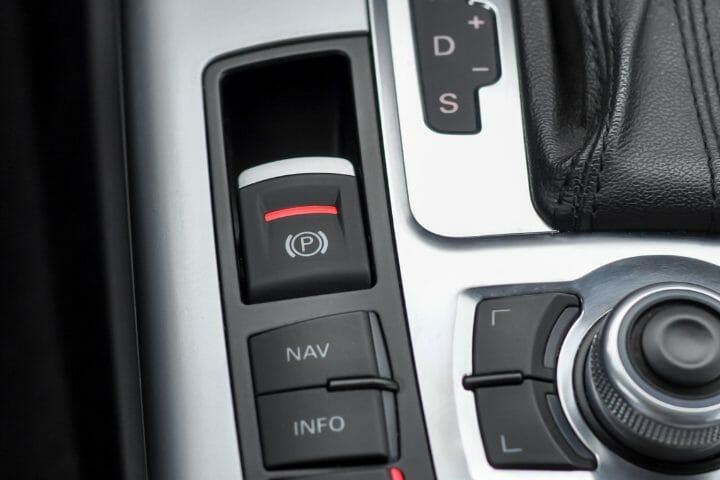 Radio Shuts Off When Brake Is Applied
